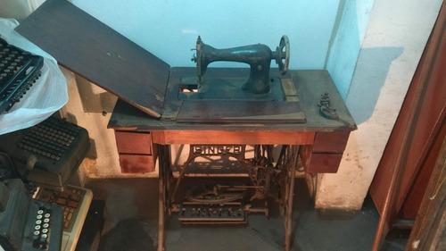 Antiga Máquina De Costura Singer Com Móvel Original