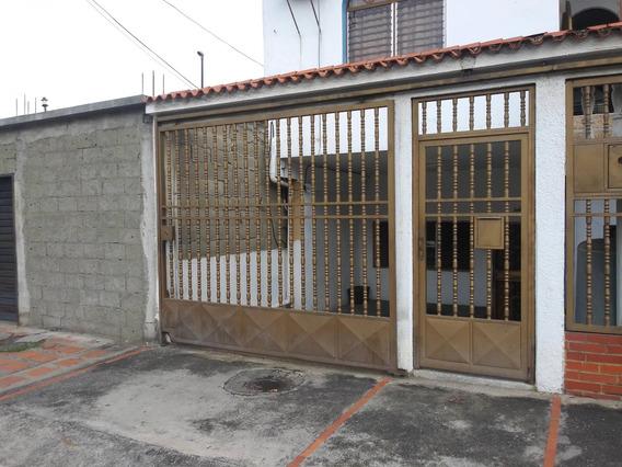 Casa En Alquiler Zona Este 20-18968 Rm 04245038618
