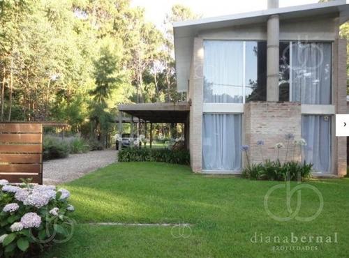 Punta Del Este, Casa En Solanas, 2 Dormitorios Y Piscina*- Ref: 42477