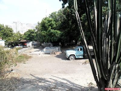 Rgasesorinmobiliario Vende Terreno En Barrio Sucre Maracay