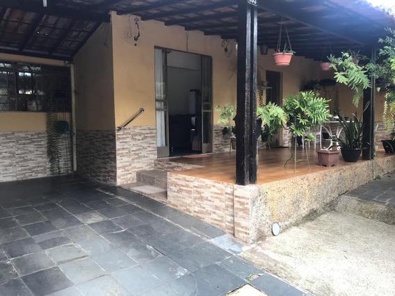 Casa No Bairro Alípio De Melo Com 3 Quartos - 4713