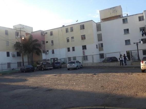 Apartamento En Venta Oeste Barquisimeto #20-4893 As