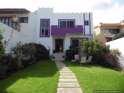 (crm-1404-2448) Se Vende Casa En Fracc. Real De Tetela, Con Vigilancia Clave Cs628