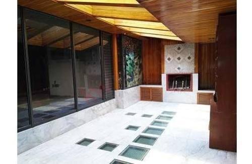 Amplia Casa En Rio Churubusco Y Municipio Libre, Uso De Suelo Habitacional Con Permiso De Uso De Oficina Y Comercio