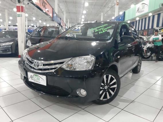 Toyota Etios Platinum 1.5 Flex 2014