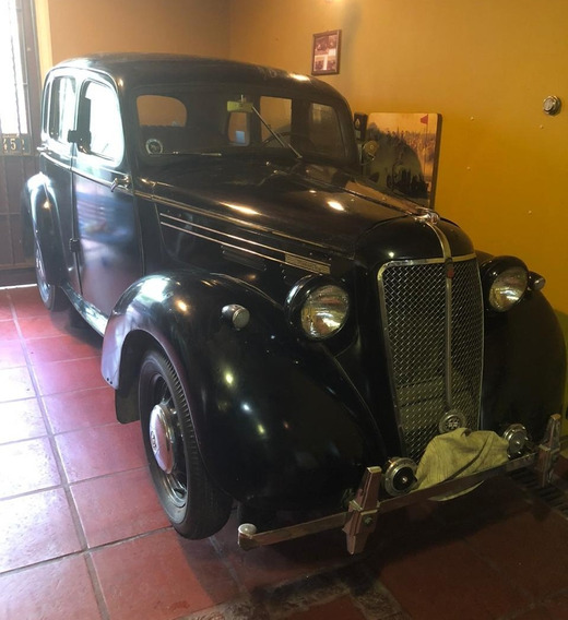 Coche Antiguo Morris Ten Four Serie M 1946