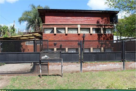Casa 3 Dormitorios, Jardín Y Pileta.
