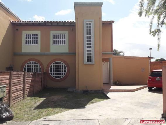 Casas En Venta Araguama Country / 04125317336
