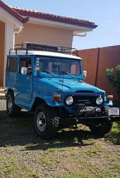 Toyota Land Cruiser Modelo 77