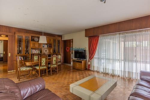 Excelente Casa En Carrasco 4 Dormitorios. Garaje Doble