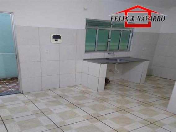 Casa De 02 Comodos E Wc - 1274