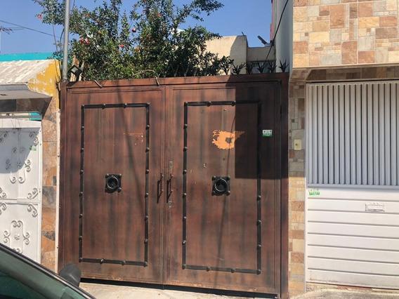 Casa De Interés Social A.v