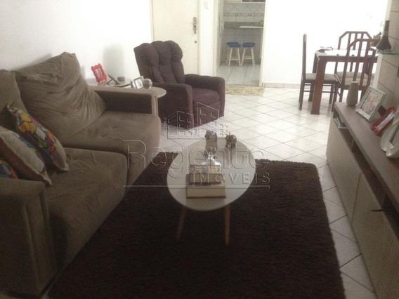 Apartamento A Venda No Bairro Barreiros Em Sao Jose - V-77078