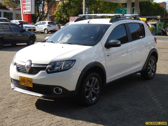 Renault Sandero Stepway Night & Day