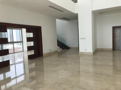 Vendo Hermoso Y Amplio Penthouse En Piantini