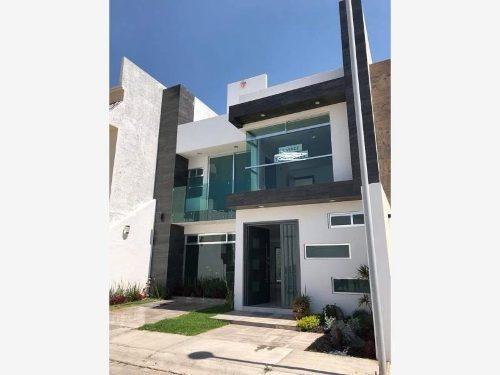 Casa Sola En Venta Privada, A Unos Pasos De Blvd. Nuevo Hidalgo, Excelente Ubicación.