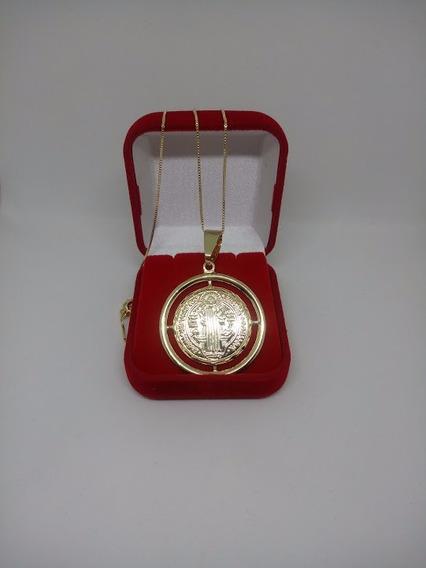 Medalhão De São Bento Com Corrente Veneziana Banhada A Ouro