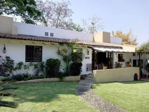 Casa En Fraccionamiento En Lomas De Jiutepec / Jiutepec - Ber-ber1-518-cs