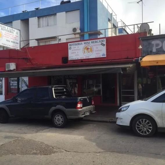 Local Comercial Con Vivienda Trapani Y Rambla, Piriapolis