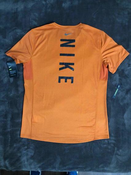 Remera Nike Miler Tech