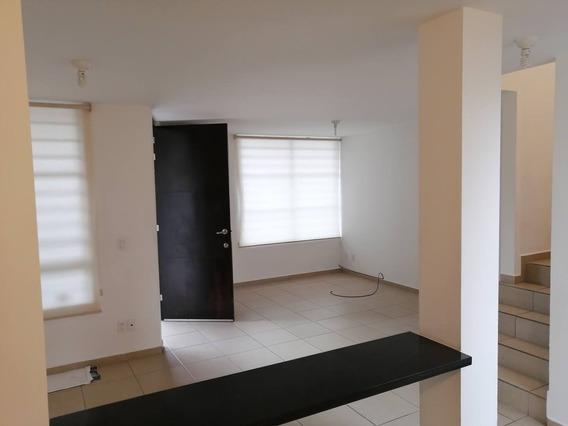 Casa En Renta Avenida Mirador De Tequisquiapan, Fraccionamiento El Mirador