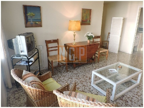 Apartamento En Peninsula, 1 Dormitorios  Y Medio-ref:17666