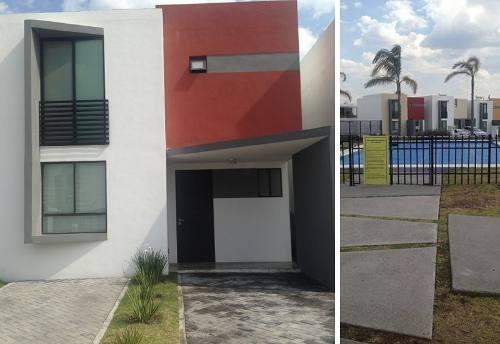 Se Vende Hermosa Casa En El Fracc. La Vista, Junto Al Refugi