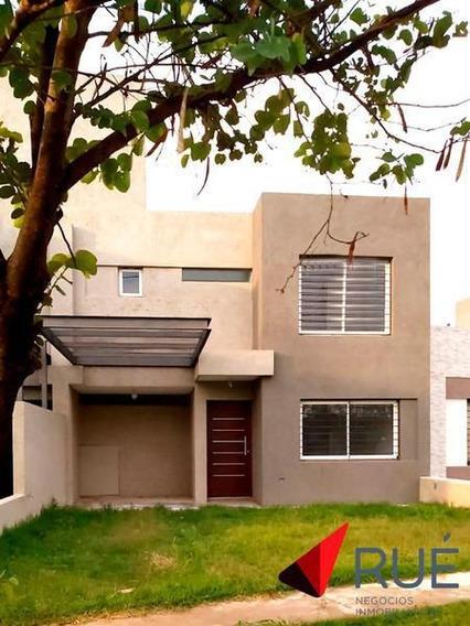 Dúplex En Alquiler De 3 Dormitorios En Jardines Del Olmo, Zona Sur