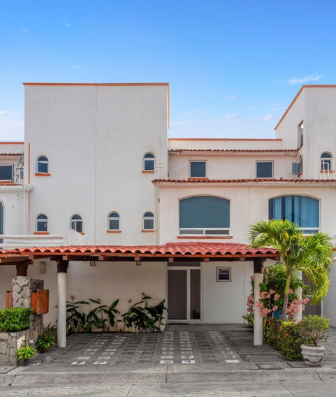 Villa En Playa Diamante, Avenida De Las Palmas