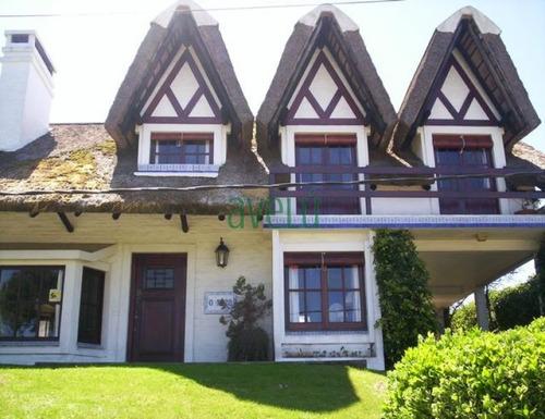 Imagen 1 de 14 de Casa En Pinares, 4 Dormitorios *- Ref: 743
