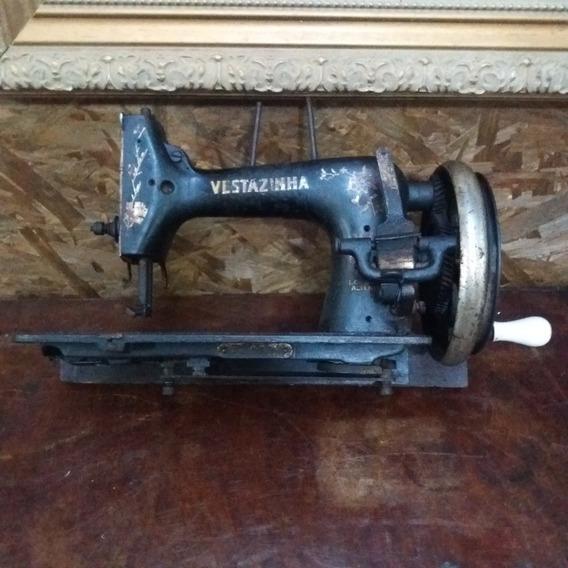 Máquina De Costura Antiga Vesta Travada Para Decoração