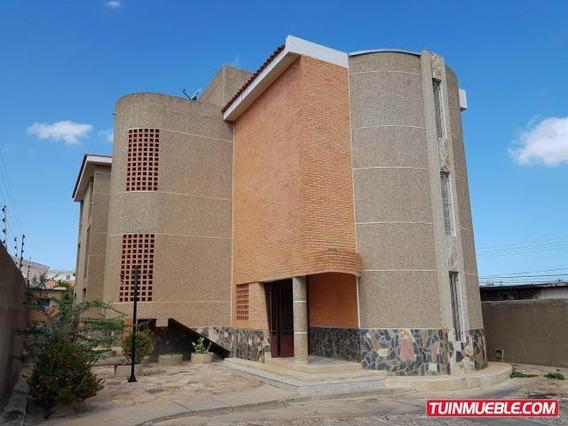Apartamento En Venta Coro Mz Cod. 19-6219 Tlf. 04244281820