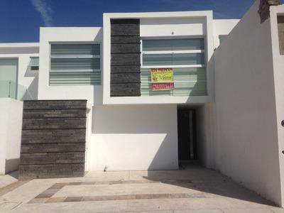 Casa De 4 Recamaras En Hermoso Condominio Al Norte