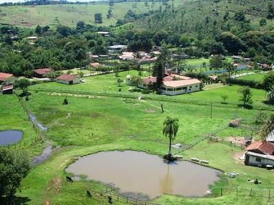 Permuta - Lindo Sitío Com 72.565,00 M² Porteira Fechada