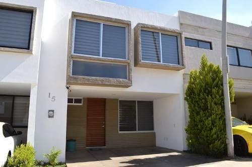Casa Con Roof Garden En Coto Con Casa Club En Altavista