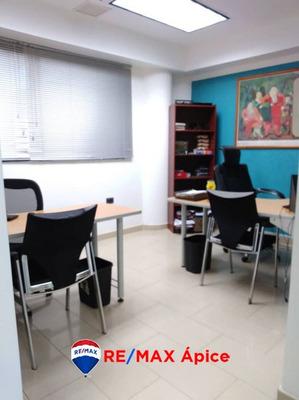 Se Vende Oficina En Ccp, Av Alirio Ugarte Pelayo