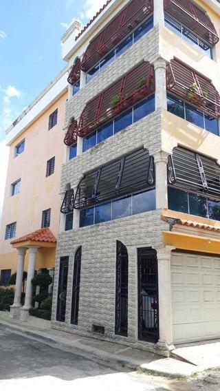 Alquiler De Apartamento Nuevo, 3 Hab, Parqueo Techado.