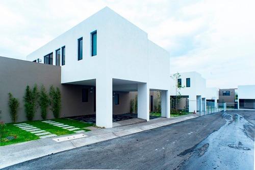 Casa En Renta - Zibata - C1027