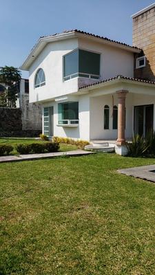 Casa De 2 Pisos 4 Recámaras Con Alberca En Real De Oaxtepec