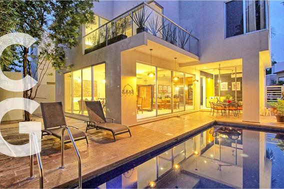 Casa En Venta En Cancun En Residencial Cumbres De 3 Pisos