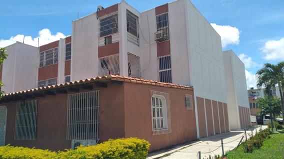 Se Alquila Apartamento En El Este De Barquisimeto #2023313