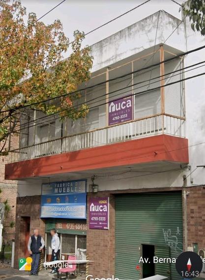 Casa En Planta Alta Con Dos Locales En Planta Baja