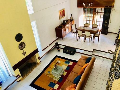 Casa En Venta De 4 Dormitorios En Cantegril