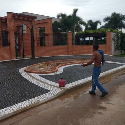 Imagem 1 de 3 de Calçada De Pedrinhas Portuguesas Pedras Em Geral.