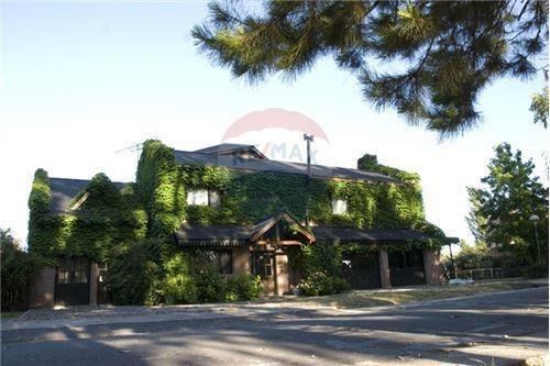 Venta Casa Barrio San Facundo Calle 133 Esq 485
