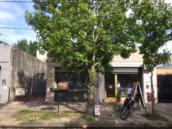 Local En Venta En 6/montevideo Berisso - Alberto Dacal Propiedades