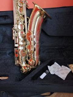 Saxofon Tenor Amadeus Casi Nuevo