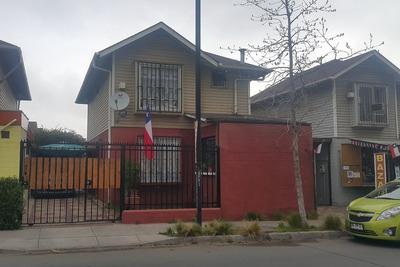 Casa A La Venta En Villa Maestranza, 2 Pisos 4d 3b Cobertizo