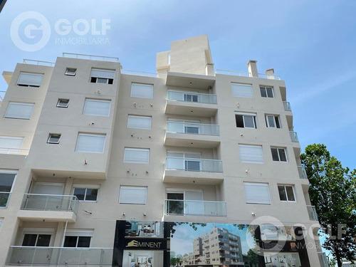 Vendo Apartamento De 1 Dormitorio Con Terraza Al Frente, Garaje Opcional, Ley 18.795, Bella Vista, Montevideo