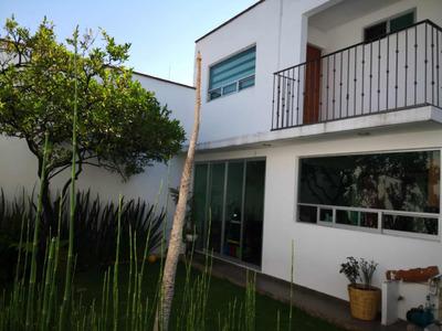 Casa Estilo Vanguardista En Zona Muy Ubicada